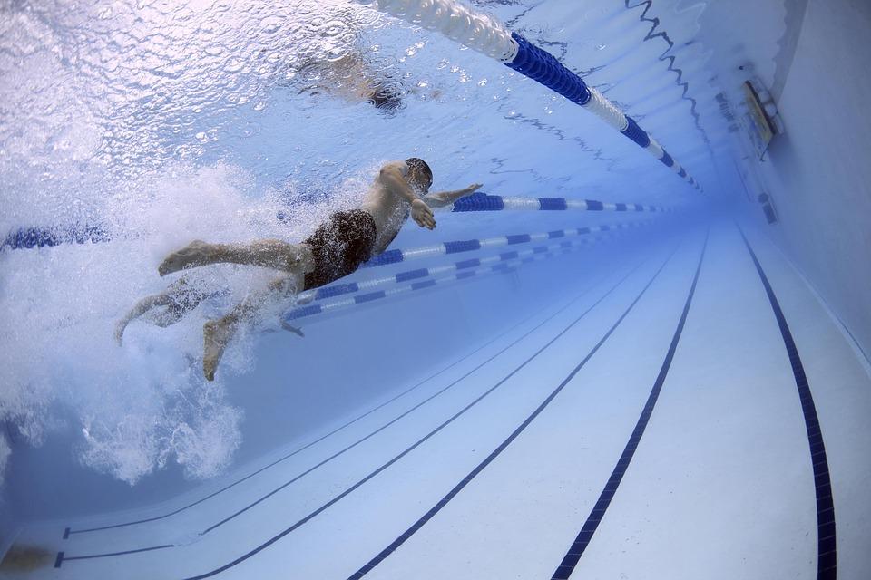 Creen un sistema intel·ligent per combatre el coronavirus a les piscines