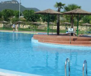 piscina-santa-margarida-montbui.jpg